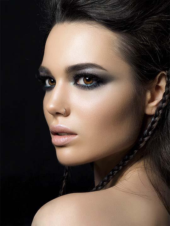 mejor academia de maquillaje profesional