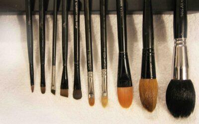 como-secar-brochas-maquillaje
