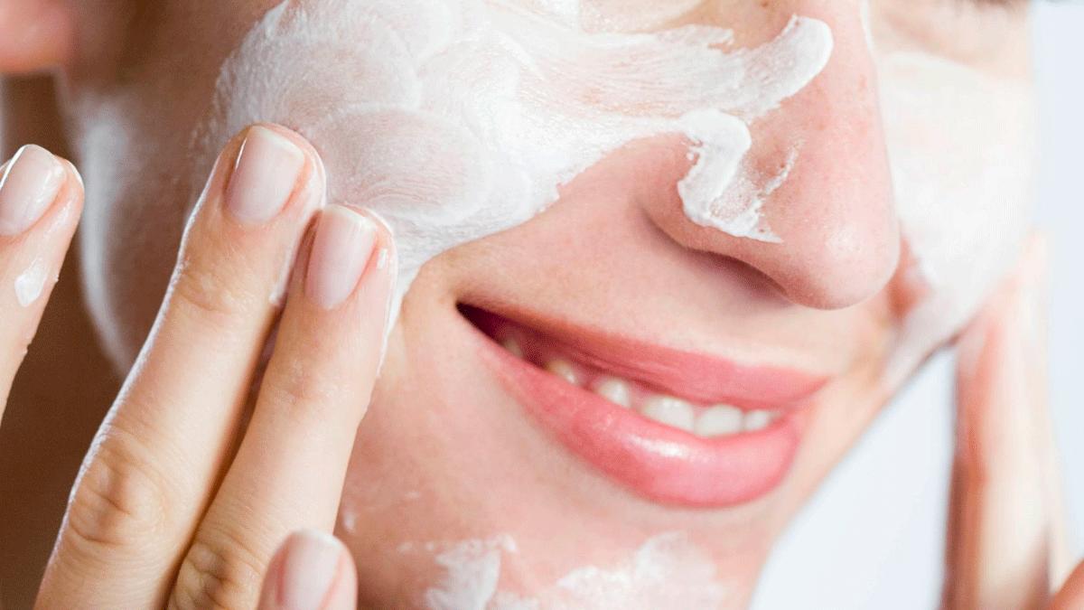 Cómo preparar la piel para un maquillaje profesional